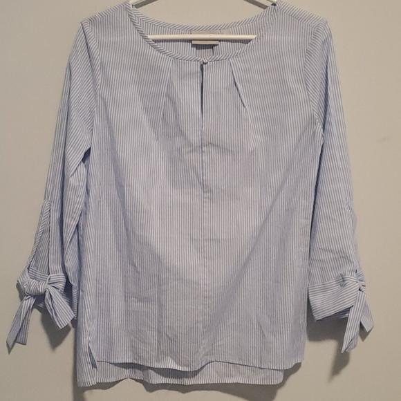 💫 2/$25 • Blue and White Pinstripe Shirt